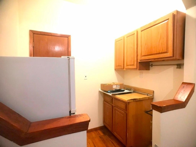 1 Bedroom, Carnegie Hill Rental in NYC for $1,725 - Photo 2