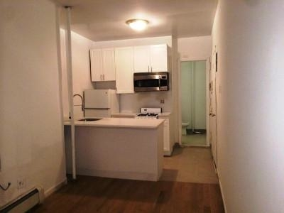 2 Bedrooms, Yorkville Rental in NYC for $2,825 - Photo 2