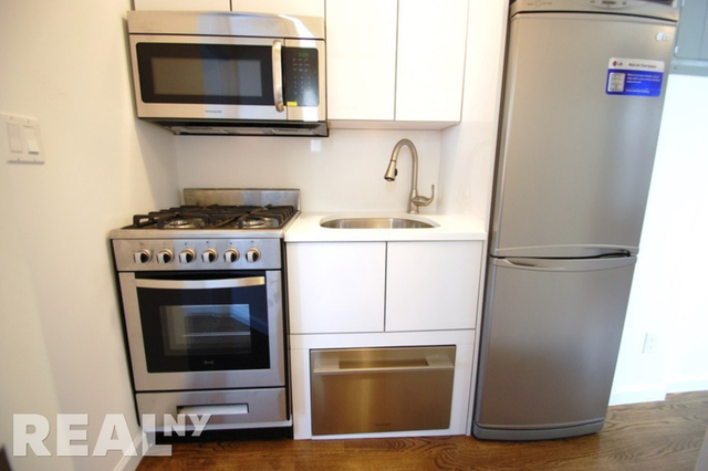 2 Bedrooms, Cooperative Village Rental in NYC for $2,997 - Photo 2