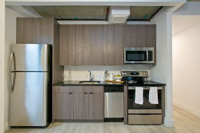 Room, Prospect Lefferts Gardens Rental in NYC for $900 - Photo 2