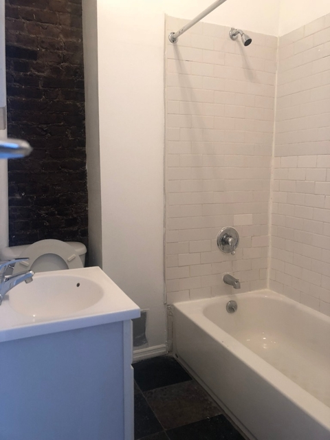 3 Bedrooms, Clinton Hill Rental in NYC for $2,700 - Photo 1