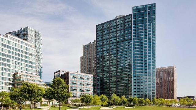 2 Bedrooms, Hunters Point Rental in NYC for $4,029 - Photo 2