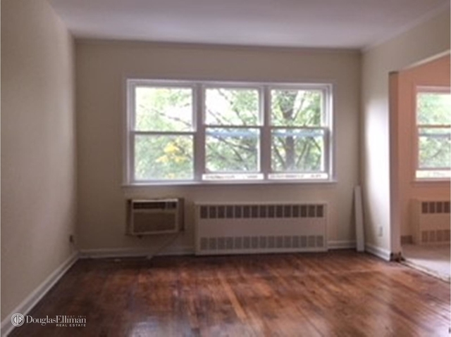3 Bedrooms, Maspeth Rental in NYC for $2,325 - Photo 2