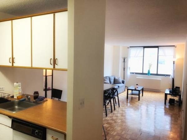 1 Bedroom, Yorkville Rental in NYC for $3,220 - Photo 1