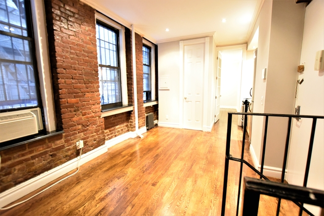 Studio, East Village Rental in NYC for $5,295 - Photo 2