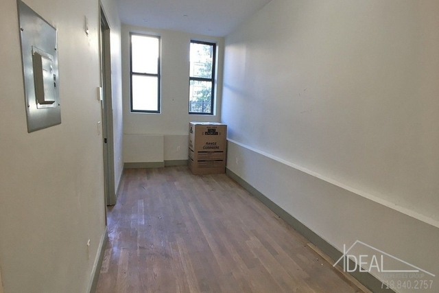 Room, Crown Heights Rental in NYC for $799 - Photo 2
