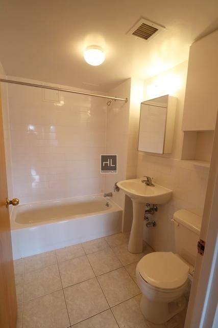 2 Bedrooms, Astoria Rental in NYC for $2,295 - Photo 1