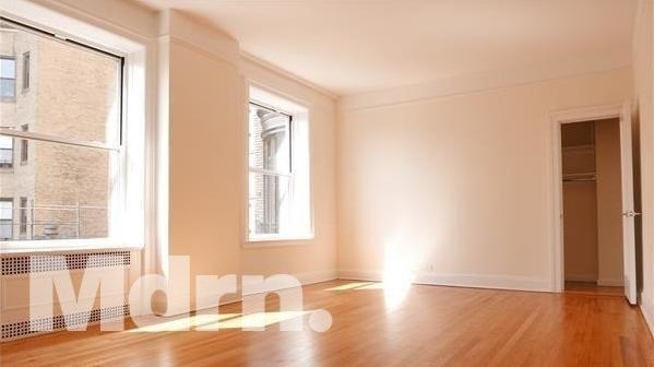 1 Bedroom, Upper West Side Rental in NYC for $2,325 - Photo 2