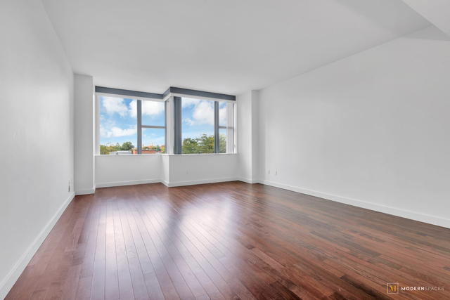 2 Bedrooms, Forest Hills Rental in NYC for $3,800 - Photo 2