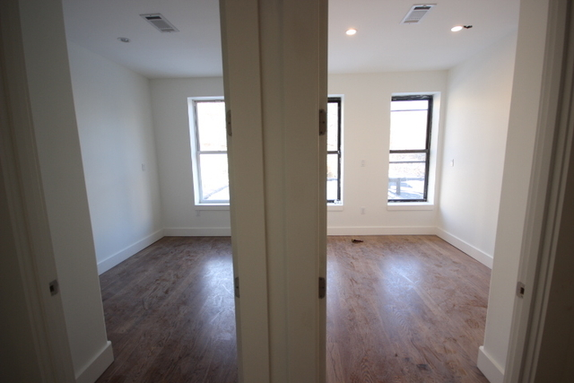 4 Bedrooms, Bedford-Stuyvesant Rental in NYC for $3,800 - Photo 2
