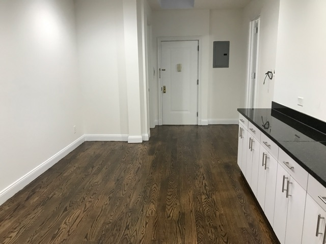 3 Bedrooms, Turtle Bay Rental in NYC for $6,400 - Photo 2