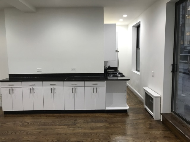 3 Bedrooms, Turtle Bay Rental in NYC for $6,400 - Photo 1