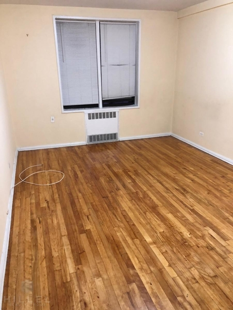 2 Bedrooms, Jackson Heights Rental in NYC for $2,350 - Photo 2