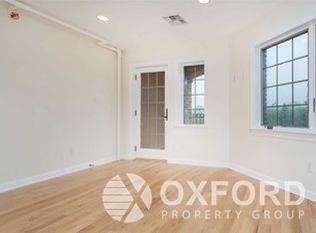 2 Bedrooms, Maspeth Rental in NYC for $2,500 - Photo 2