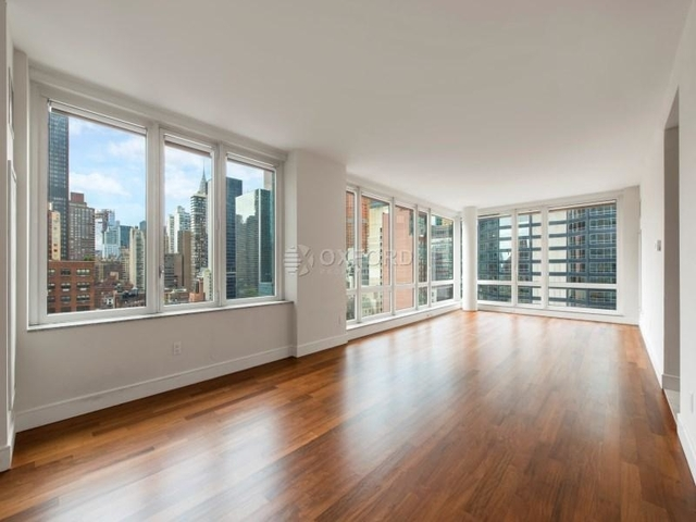 3 Bedrooms, Lincoln Square Rental in NYC for $9,700 - Photo 1