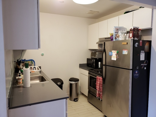 2 Bedrooms, East Williamsburg Rental in NYC for $2,697 - Photo 2