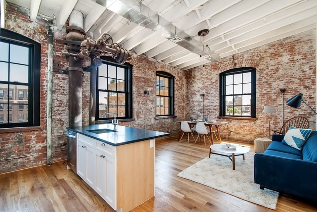 2 Bedrooms Williamsburg Rental In Nyc For 4 950 Photo 1