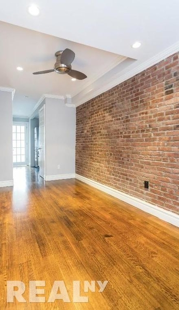 2 Bedrooms, Chelsea Rental in NYC for $4,121 - Photo 2