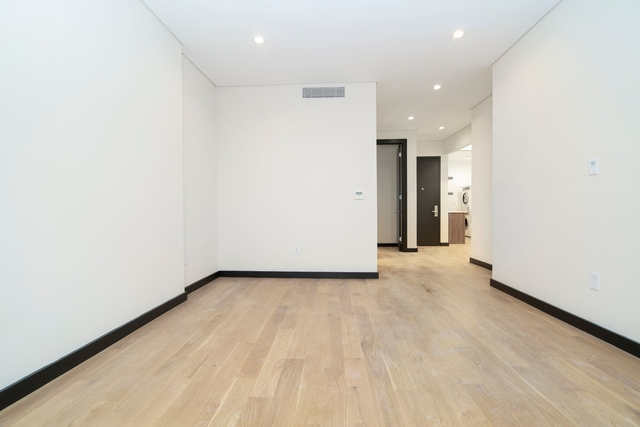2 Bedrooms, SoHo Rental in NYC for $5,850 - Photo 2