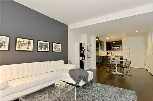 1 Bedroom, Financial District Rental in NYC for $3,143 - Photo 2