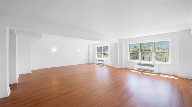 2 Bedrooms, Upper East Side Rental in NYC for $18,000 - Photo 2