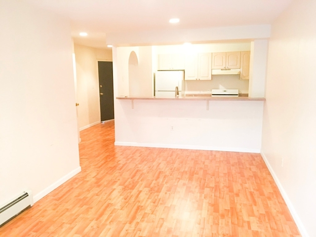 1 Bedroom, Rego Park Rental in NYC for $1,700 - Photo 2