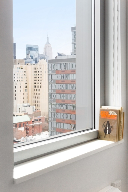 2 Bedrooms, Hell's Kitchen Rental in NYC for $4,689 - Photo 2