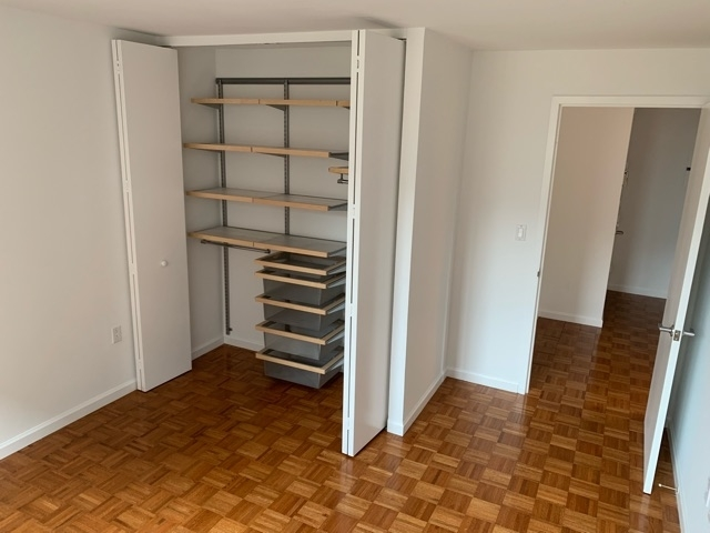 2 Bedrooms, USA Rental in  for $3,300 - Photo 2