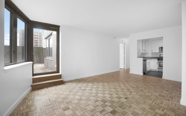 3 Bedrooms, Hell's Kitchen Rental in NYC for $4,795 - Photo 1