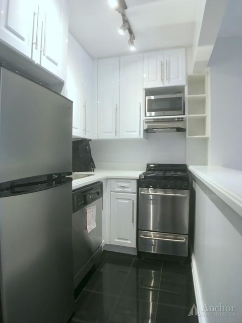 Studio, Chelsea Rental in NYC for $2,725 - Photo 2