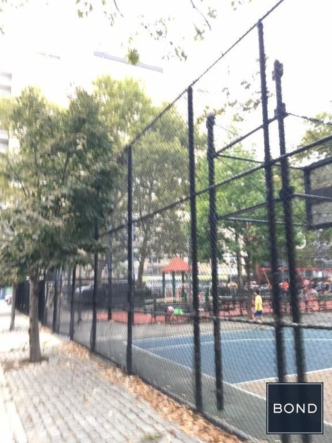 3 Bedrooms, Gramercy Park Rental in NYC for $4,245 - Photo 2