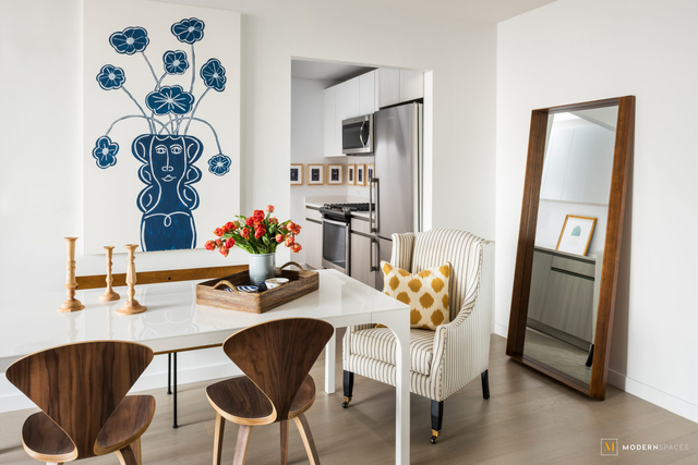 2 Bedrooms, Long Island City Rental in NYC for $5,758 - Photo 2