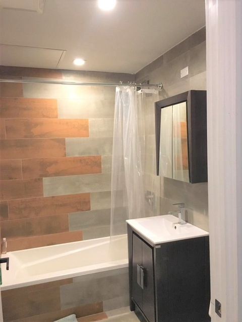 Room, Williamsburg Rental in NYC for $1,300 - Photo 2