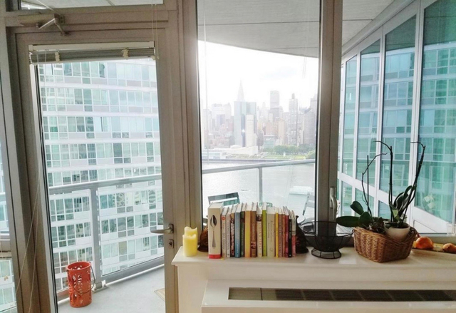 2 Bedrooms, Hunters Point Rental in NYC for $2,999 - Photo 2