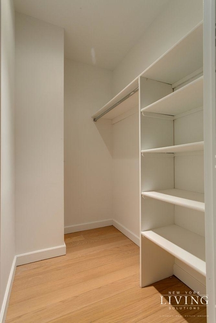 3 Bedrooms, Financial District Rental in NYC for $3,999 - Photo 2