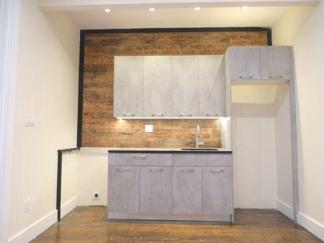 1 Bedroom, Ocean Hill Rental in NYC for $1,900 - Photo 2