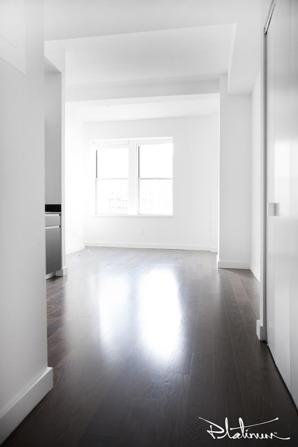 2 Bedrooms, Financial District Rental in NYC for $4,035 - Photo 2
