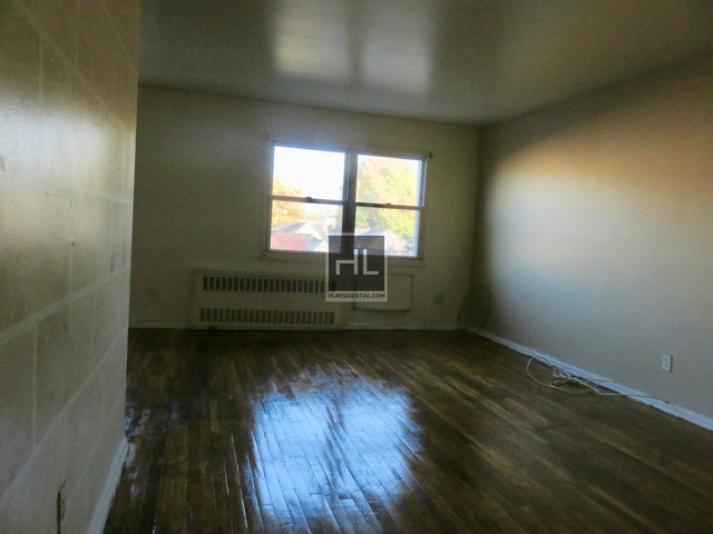 3 Bedrooms, Jackson Heights Rental in NYC for $2,550 - Photo 1