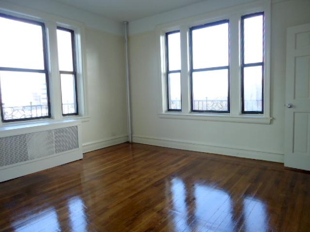 2 Bedrooms, Kew Gardens Rental in NYC for $1,825 - Photo 1