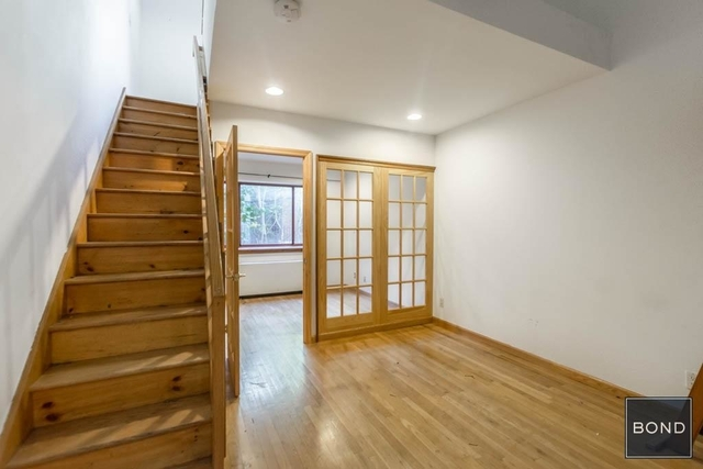 2 Bedrooms, Alphabet City Rental in NYC for $3,500 - Photo 2