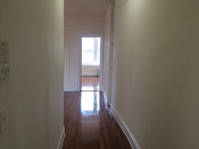 2 Bedrooms, Woodside Rental in NYC for $2,099 - Photo 1