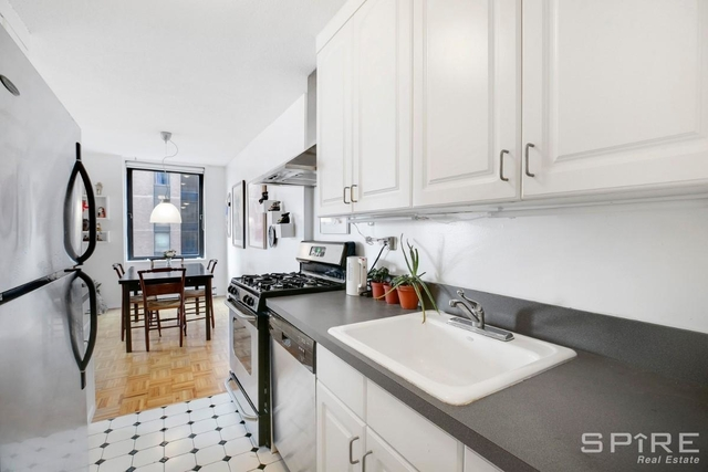 1 Bedroom, Yorkville Rental in NYC for $3,450 - Photo 2