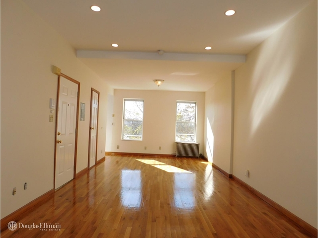 2 Bedrooms, Carroll Gardens Rental in NYC for $2,300 - Photo 1