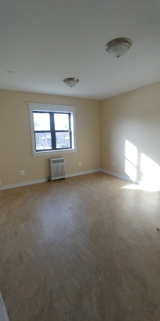 2 Bedrooms, Hollis Rental in NYC for $1,800 - Photo 1