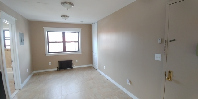 2 Bedrooms, Hollis Rental in NYC for $1,800 - Photo 2