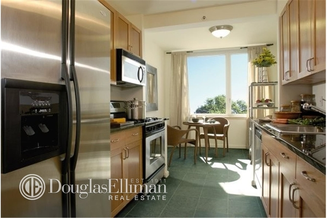 2 Bedrooms, Tribeca Rental in NYC for $9,450 - Photo 2