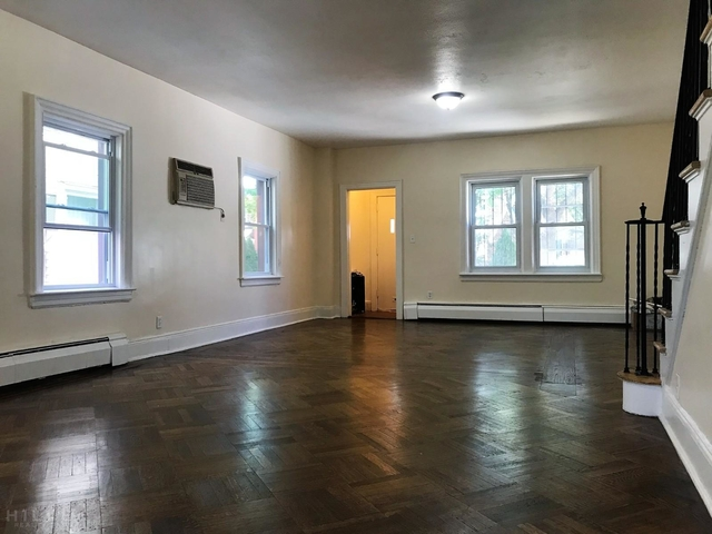3 Bedrooms, Rego Park Rental in NYC for $3,295 - Photo 1