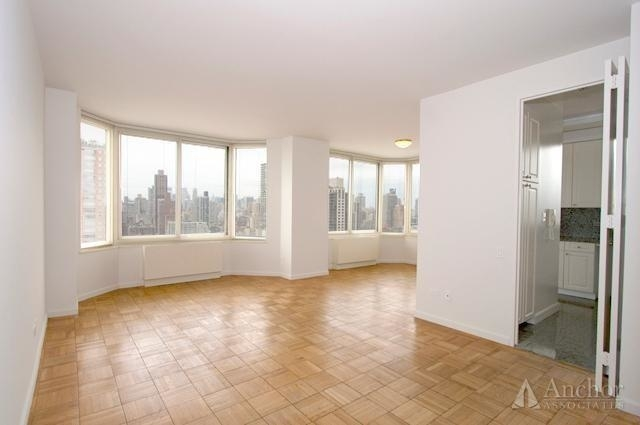 2 Bedrooms, Yorkville Rental in NYC for $5,791 - Photo 2