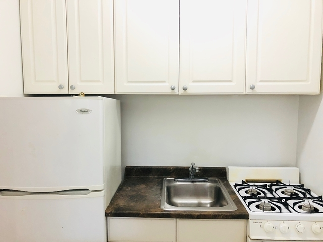 Studio, Yorkville Rental in NYC for $1,646 - Photo 2