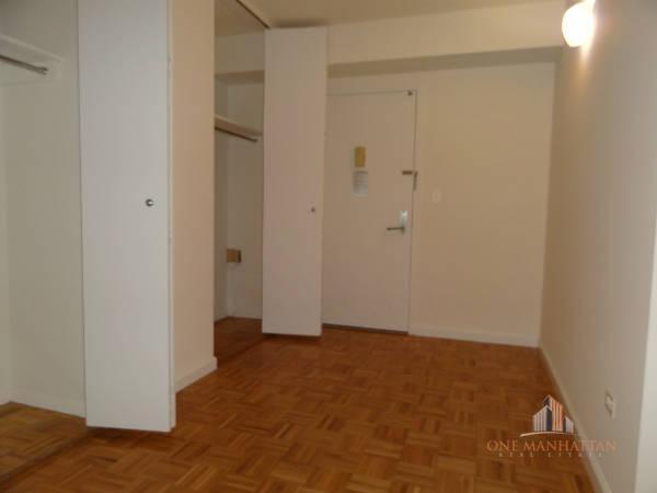 Studio, Yorkville Rental in NYC for $2,700 - Photo 2